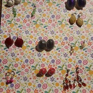 10 pair of earrings (bundle) many different styles